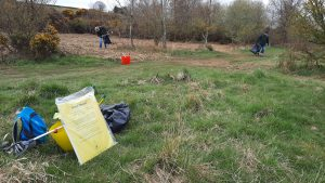 Litter picking at Castle Hill Wood